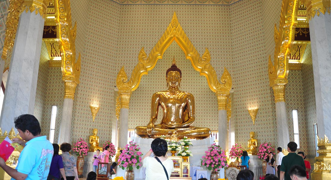 WAT TRAIMIT (TEMPLE OF THE GOLDEN BUDDHA) -- 6.9 KM.